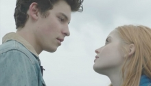 Shawn Mendes : There's nothing holding me back (vidéoclip)
