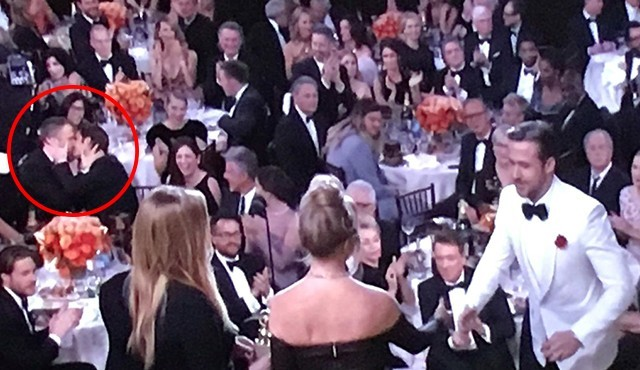 Ryan Reynolds and Andrew Garfield lock lips at the Golden Globes